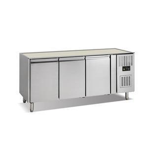 Chladicí stůl GN 1/1 s deskou 3dveřový